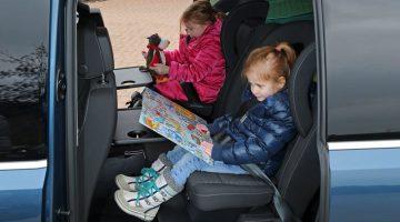 Autoreisen mit Kindern im Kindergartenalter und Grundschulalter - Sind sie beschäftigt, ist die Stimmung gut.
